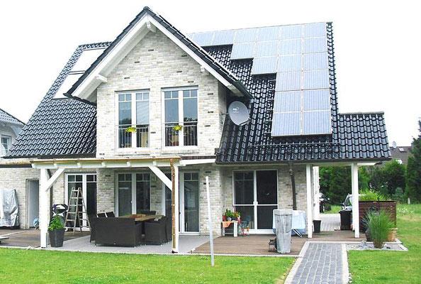 Terrasse mit Dach